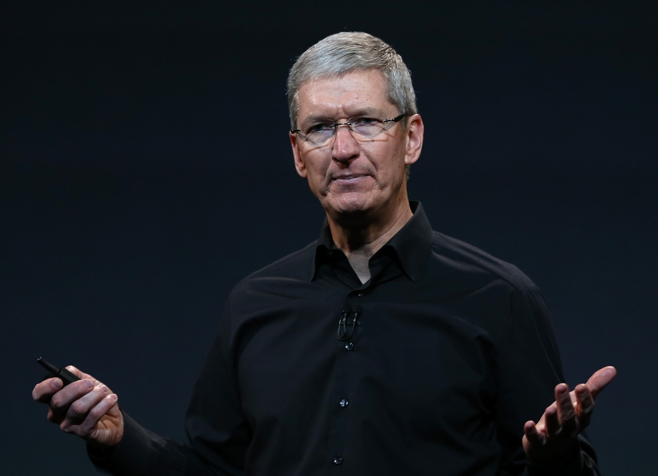 185582854-apple-ceo-tim-cook-speaks-during-an-apple-announcement.jpg.CROP.cq5dam_web_1280_1280_jpeg